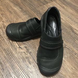Keen Kaci Slip On Leather Shoes